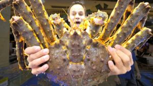 INSANE Chinese Seafood – $1500 Seafood FEAST in Guangzhou, China – 10 KG BIGGEST Lobster + KING Crab